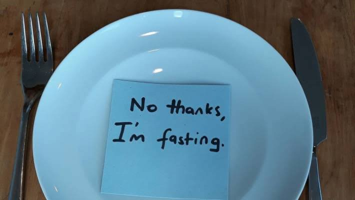 Fasting as a Therapeutic Option for Weight Loss